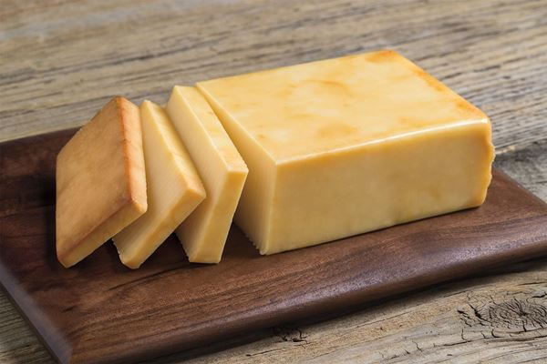 Picture of GREEN TREE APPLEWOOD SMOKED CHEDDAR CHEESE
