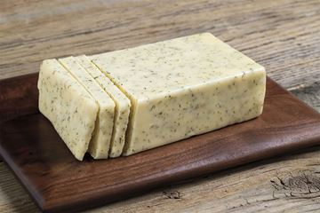 Picture of GREEN TREE  GARLIC & DILL CHEDDAR CHEESE